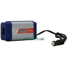 Автомобильный инвертор (преобразователь) PORTO  12V/220V 150W